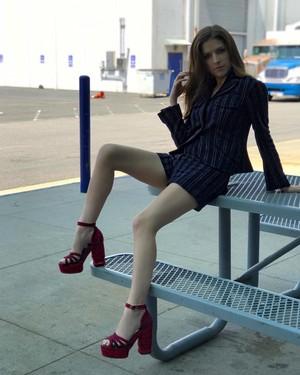 Anna Kendrick Legs