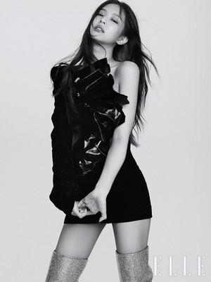 Black merah jambu look gorgeous in 'Elle Korea' pictorial