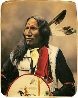 Chief Strikes With Nose (Oglala Lakota) foto sejak Heyn Photo1899