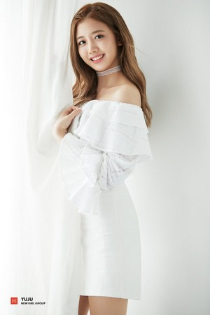 FNC New Girl Group 1st Member Concept фото - Yuju