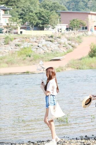 GFriend দেওয়ালপত্র entitled GFRIEND 'Love Whisper' MV Shooting Behind