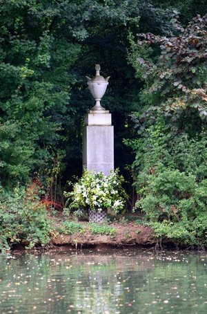 Gravesite Of Princess Diana