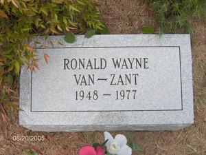 Gravesite Of Ronnie 봉고차, 반 Zant
