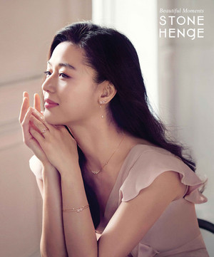 JEON JI HYUN FOR NEW STONEHENGE JEWELRY