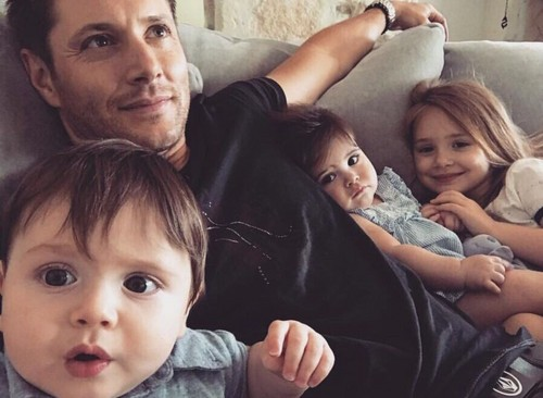 Jensen Ackles wallpaper called Jensen with Kids :)