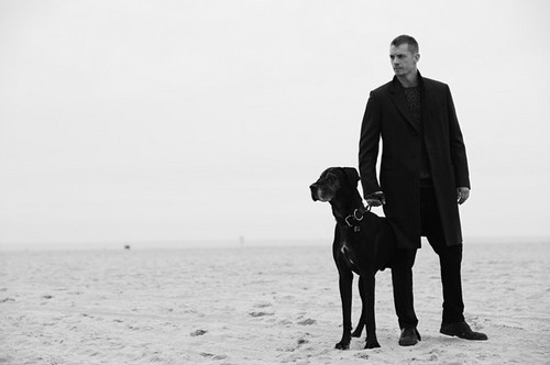 Joel Kinnaman দেওয়ালপত্র entitled Joel Kinnaman - L'Uomo Vogue Photoshoot - 2015