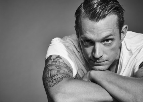 Joel Kinnaman Hintergrund entitled Joel Kinnaman - The Laterals Photoshoot - 2016