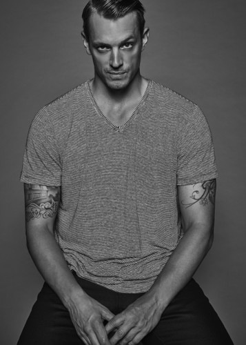 Joel Kinnaman Hintergrund called Joel Kinnaman - The Laterals Photoshoot - 2016