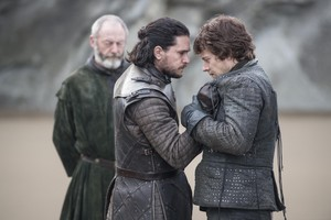 Jon Snow and Theon Greyjoy in 'The Spoils of War'