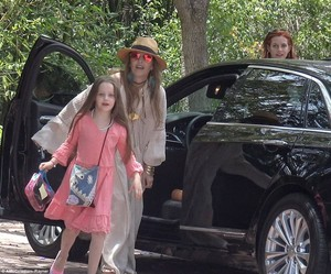 Lisa with her daughters