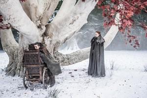 Sansa, Arya and Bran 7x04 - The Spoils of War