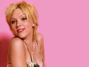 Scarlett Johansson 38