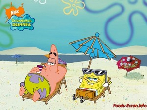 Spongebob and Patrick on a समुद्र तट