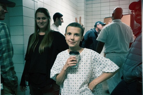 Stranger Things 壁紙 titled Stranger Things Season 1 Behind the Scenes picture