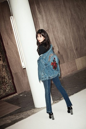Suzy for 2017 F/W 'GUESS'
