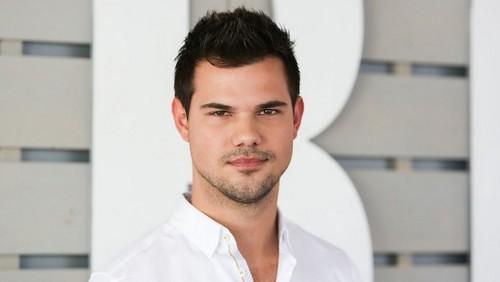Taylor Lautner fond d'écran titled Taylor