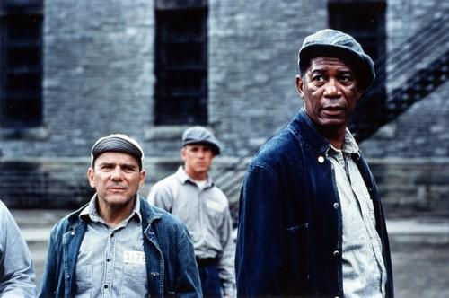 morgan Freeman karatasi la kupamba ukuta entitled The Shawshank Redemption