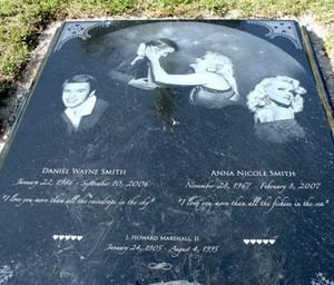 The Gravesite Of Daniel And Anna Nicole Smith