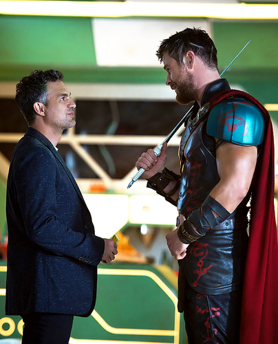 Thor: Ragnarok Обои called Thor: Ragnarok - New Promo Still