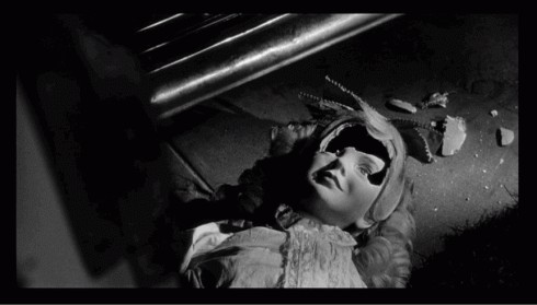 What Ever Happened to Baby Jane? fond d'écran called broke doll