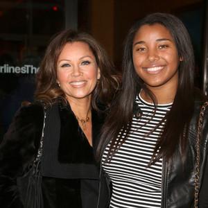Vanessa And Daughter, Sasha renard