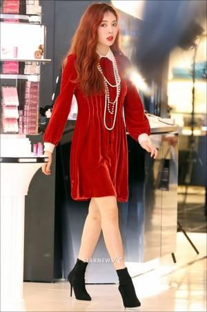 170926 HyunA @ Dior Backstage Studio Opening Event