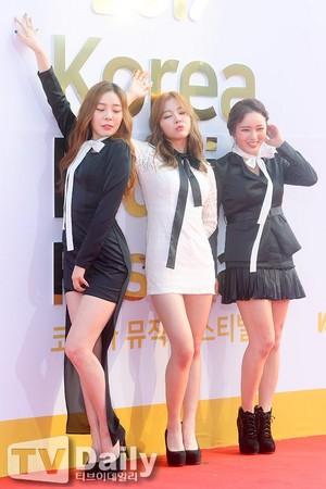 170930 Ladies' Code @ 2017 Korea âm nhạc Festival Red Carpet