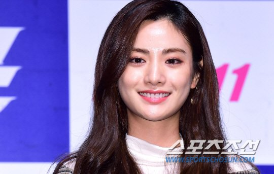 171011 After Schools Nana At Movie The Swindlers Press