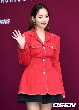 171017 HA:TFELT (Yeeun) @ 2018 S/S HERA Seoul Fashion Week - FLEAMADONNA Collection