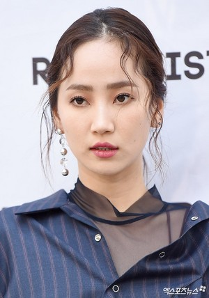 171017 HA:TFELT (Yeeun) @ R.SHEMISTE 2018 S/S Collection Presentation