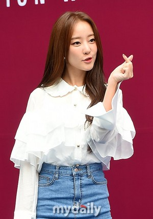171018 Go Woori @ 2018 S/S HERA Seoul Fashion Week - ROMANCHIC Collection