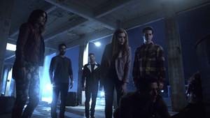 6x20 ~ The Wolves of War