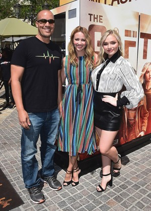 Amy Acker, Natalie Alyn Lind and Coby cloche, bell