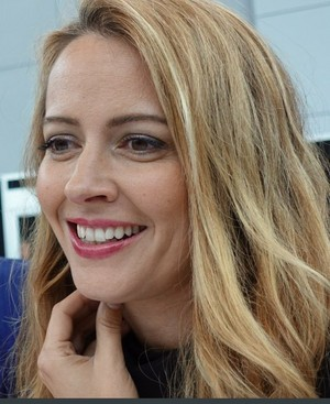 Amy Acker at NYCC 2017