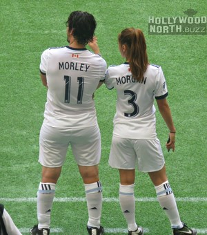 Bob Morley and Lindsey モーガン, モルガン at Vancouver WhiteCaps Charity Match