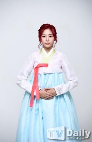 Dreamcatcher Hanbok Interview with TVDaily - JiU