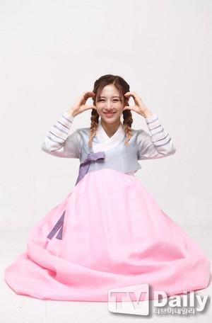 Dreamcatcher Hanbok Interview with TVDaily - Yoohyeon