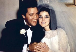Elvis And Priscilla On Their Wedding hari