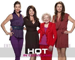 Hot in Cleveland Wallpaper