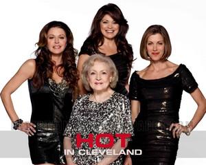 Hot in Cleveland achtergrond