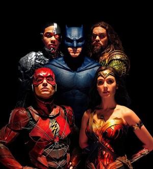 Justice League (2017) Cast Portrait
