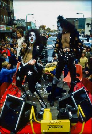 キッス -Cadillac, Michigan…October 9-10, 1975