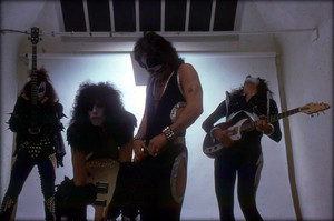 キッス ~Los Angeles, California…May 30, 1975 (White Room session)
