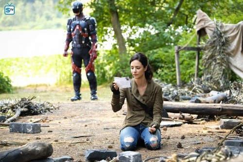 DC's Legends of Tomorrow wallpaper entitled Legends of Tomorrow - Episode 3.03 - Zari - Promo Pics
