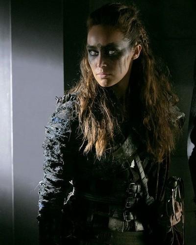 Clarke and Lexa fond d'écran titled Lexa