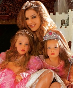 Lisa Marie And The Twins