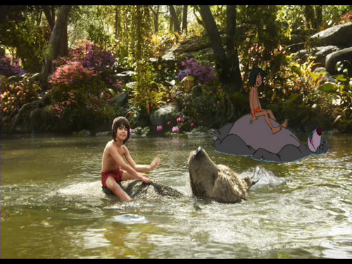 The Jungle Book wallpaper titled Mowgli sul fiume con Baloo tra 1967 e 2016