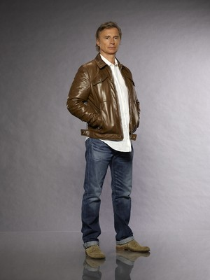 Once Upon a Time Rumplestiltskin / Mr. vàng Season 7 Official Picture
