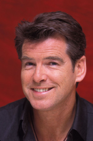 Pierce Brosnan (2001)