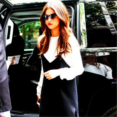Selena Gomez kertas dinding called Selena peminat Art